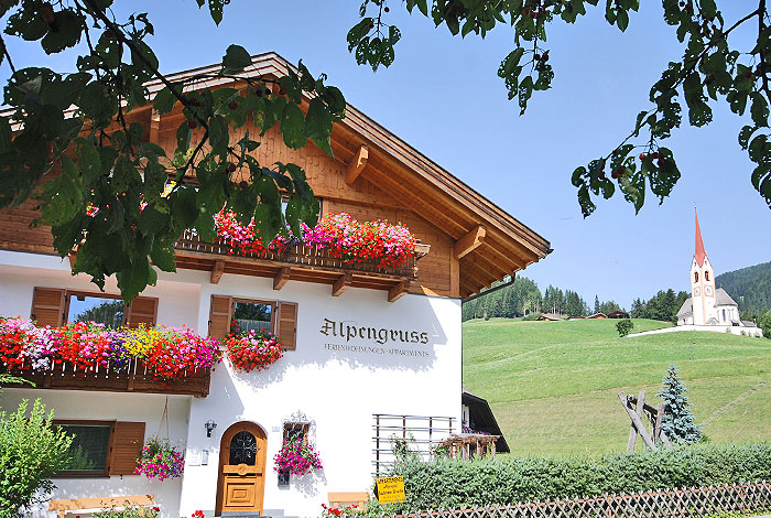 Bachmann family: Apartments Alpengruß in Prato Drava - San